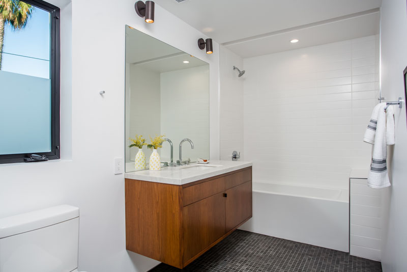 Palms Residence bathroom