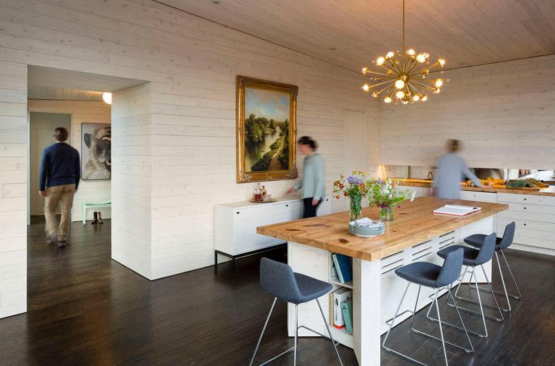James River House living