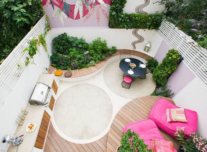 Notting Hill pink patio circle