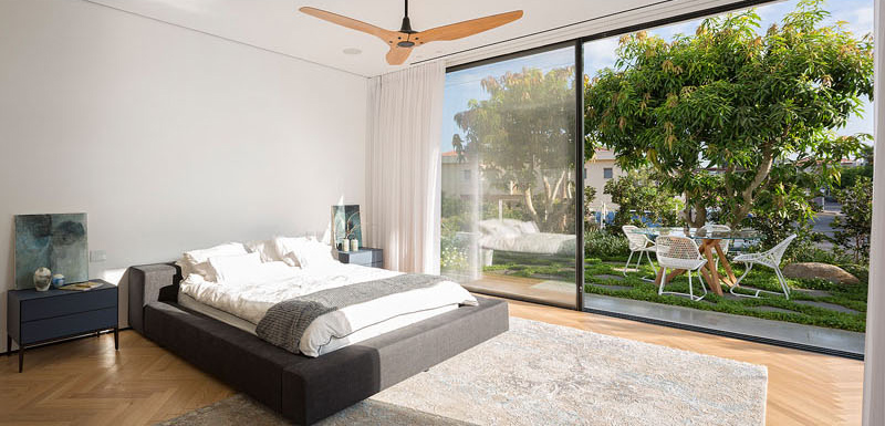 House 2 Rishon bed