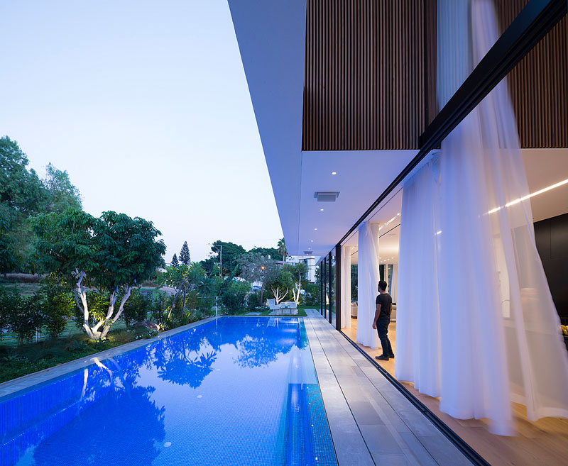 House 2 Rishon pool